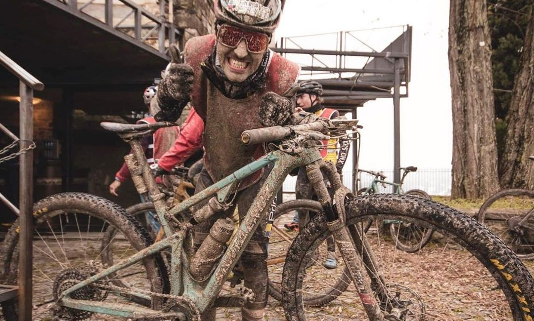 Fingers Cross di Matteo Dellabiancia: tra fango e divertimento ecco l'analisi dati