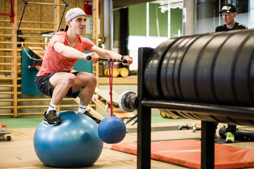 hitting-the-gym-with-nino-schurter03